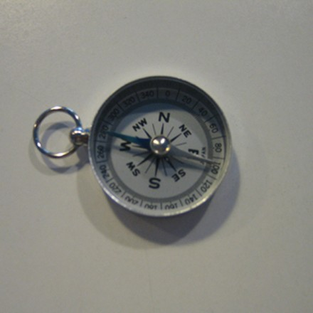Brújula de aluminio de 34 mm de diámetro