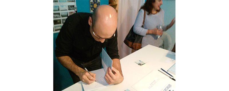 Joan Carles Fortea, en la dedicatoria de un libro.