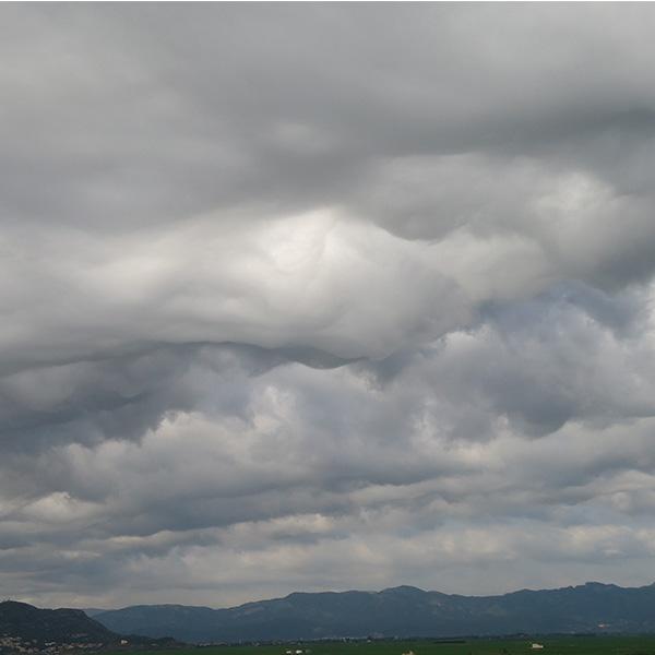 Aquí tenemos otra imagen del mismo día. Al fondo podemos ver la Sierra de Corbera y la montaña de Cullera.