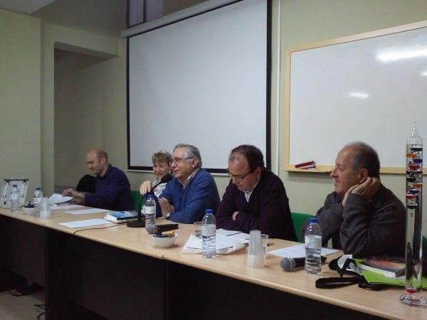 Ángel Rivera, tomando la palabra. De izquierda a derecha, Joan Carles Fortea, Empar Landete, José Ángel núñez y Rafael Armengot.