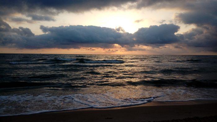 Cada amanecer es diferente. Mareny Blau, lunes 31 de julio.